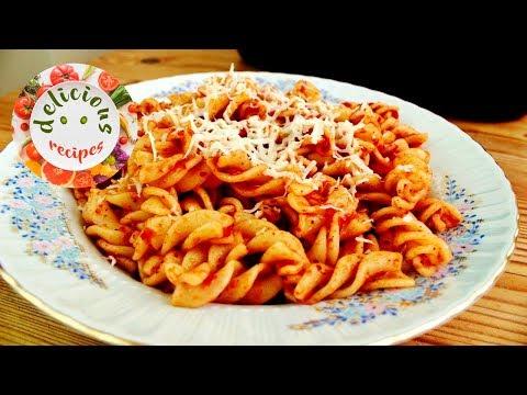 Pasta with Tomato Sauce and Oregano Recipe